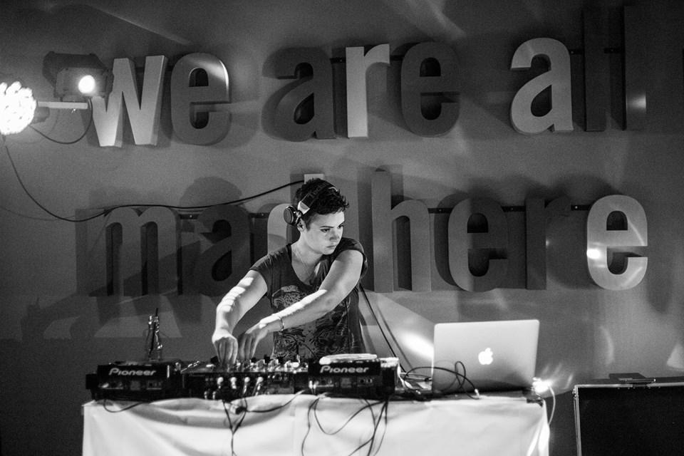 Caz Coronel, International DJ