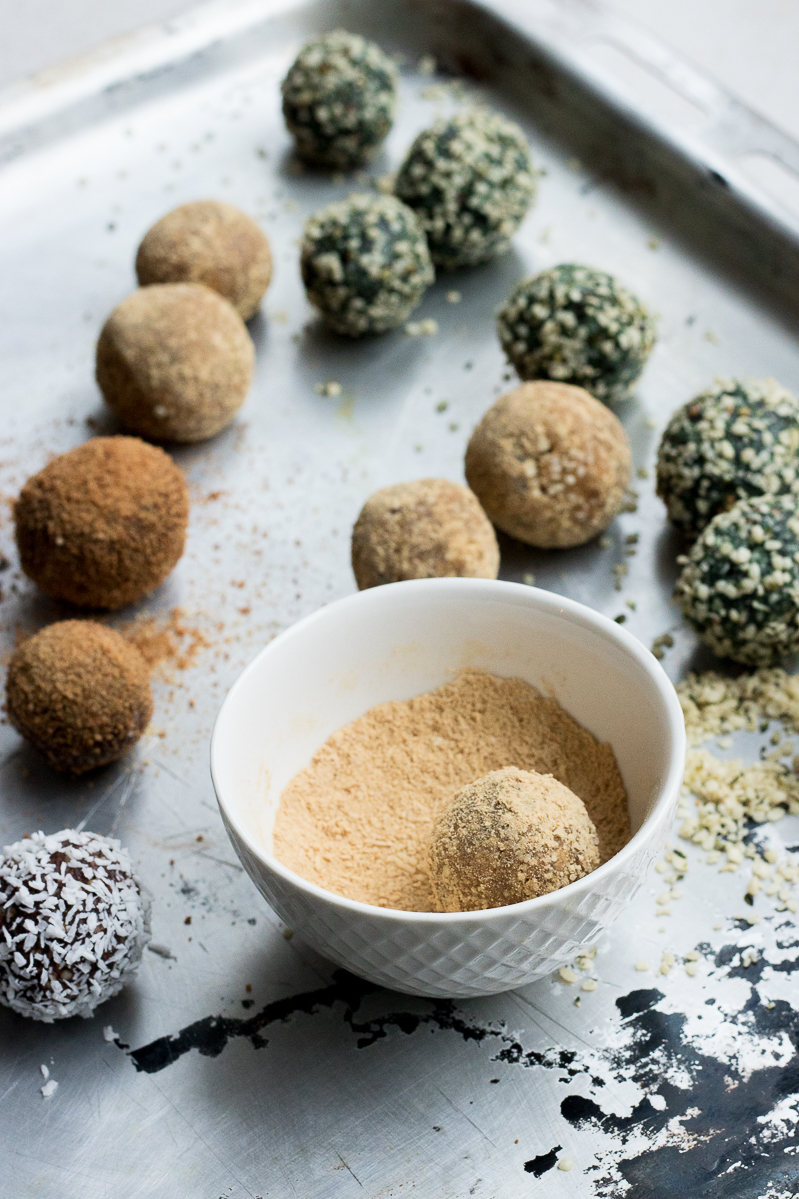3 easy and quick superfood raw balls 1