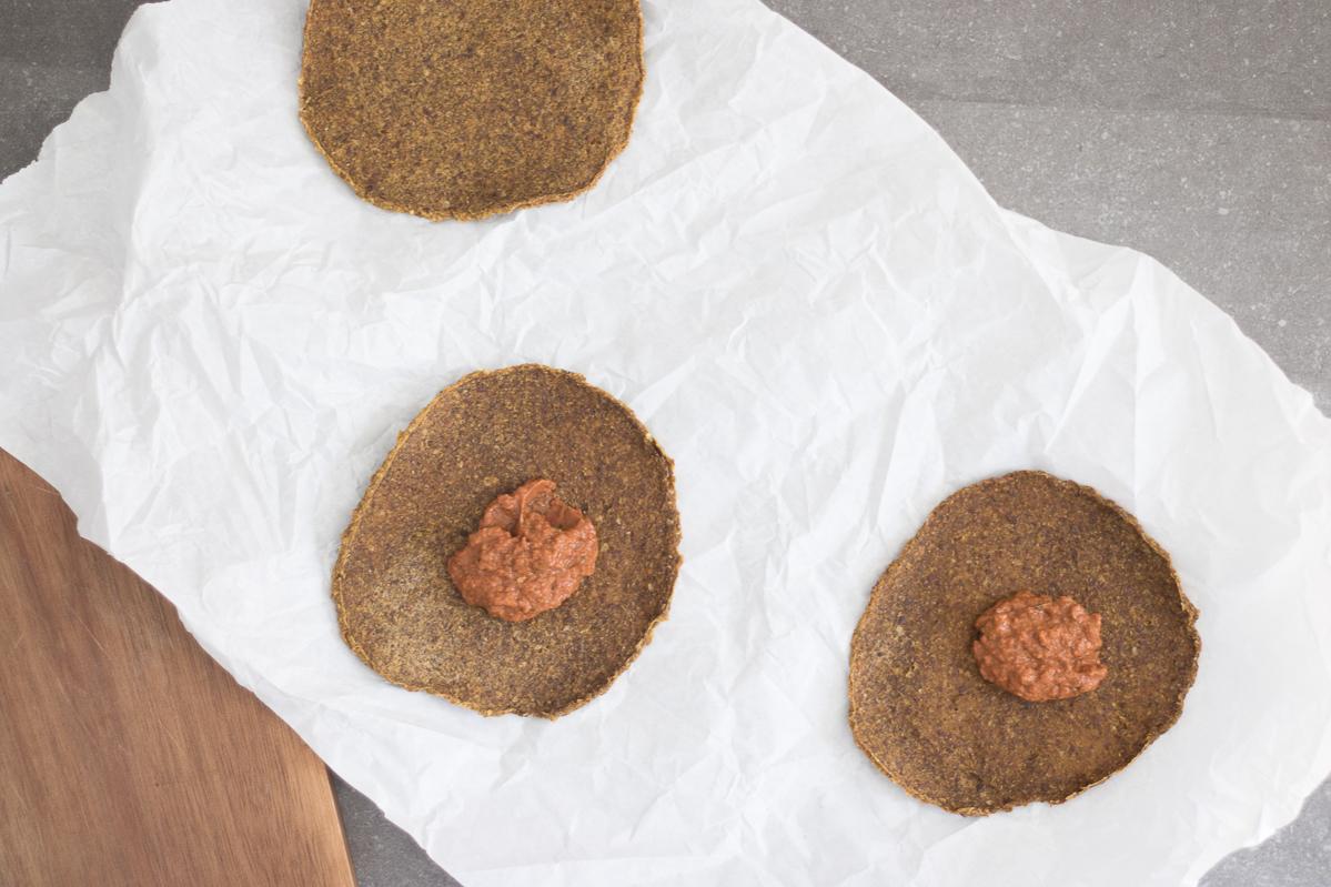 Raw sweet potato flatbread crust