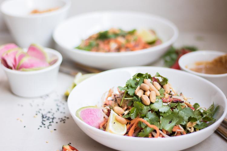raw sötpotatis pad thai