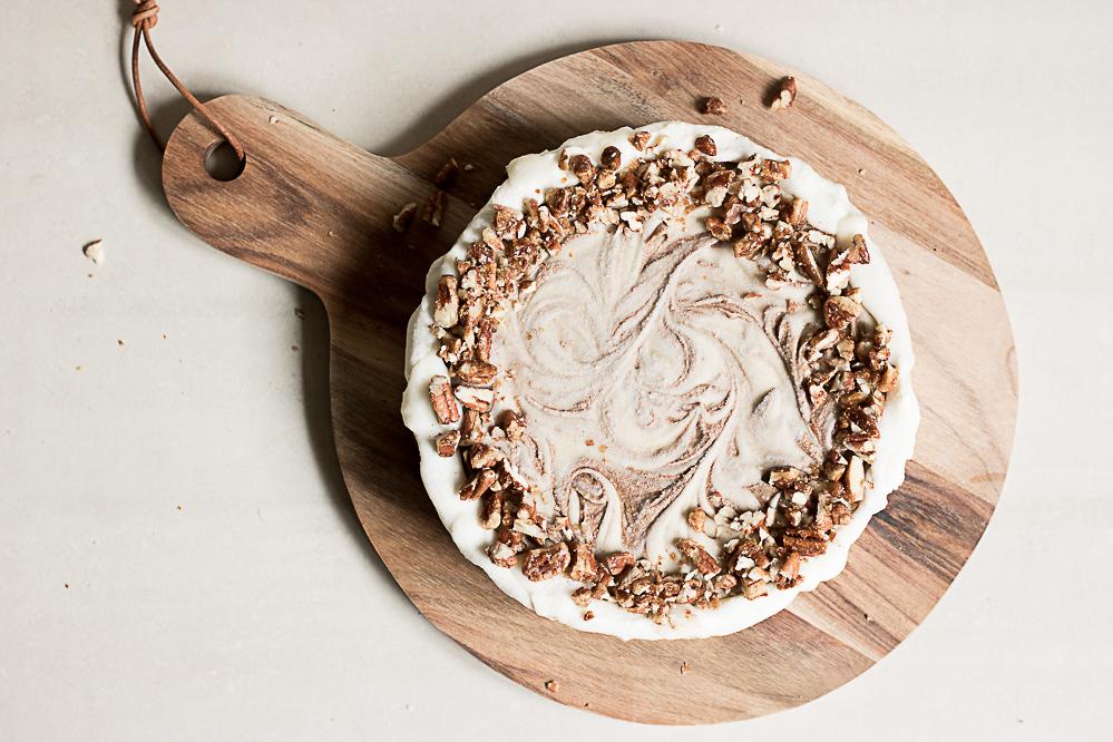 Raw cinnamon roll cake
