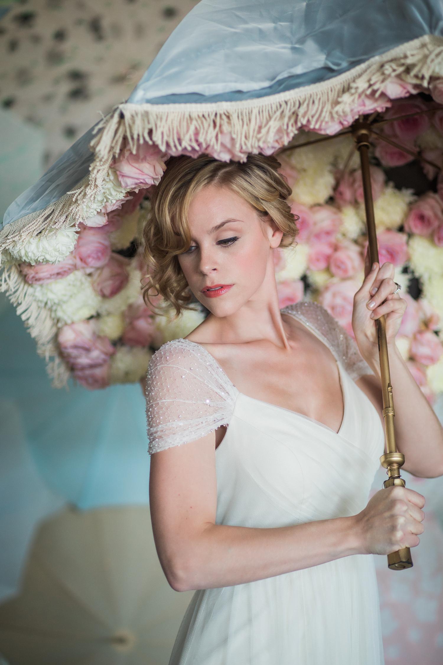 Bella Umbrella | Vintage Umbrella Rentals | Alante Photography | Seattle Wedding Planning