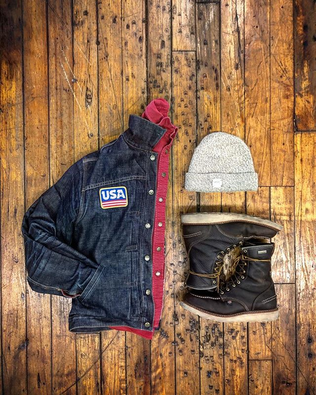 Had to layer up yesterday while in Fall River, Ma visiting our factory ❄️⚡️ ... 🇺🇸 Mule Skinner Jacket | @leftfieldnyc Shop Rag Shirt | @godspeedco Knit cap | @upstatestock Boots | 1957 Series @thorogood_usa  USA patch | @draplin