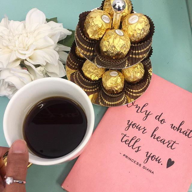Always listen to your heart ❤️ #lovewins #happyheart #alohafriday #werkwerkwerkwerkwerk #cocojavahawaii #alwaysworking #coffee #chocolate #lovemyjob