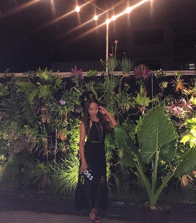 Star light star bright ✨  @anjelahjohnson #datenight #chinatown #poshdhi #freepeople #honolulu #reallife #keepitreal #comedy #fun