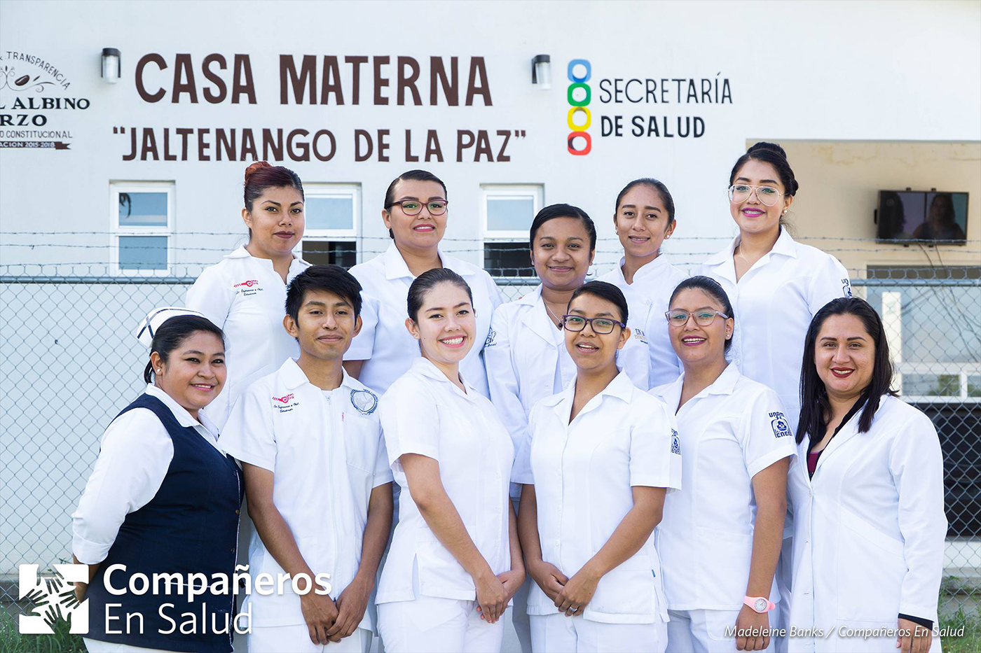 This August, we welcomed the 3rd generation of nursing and obstetrics interns who will carry out their year of social service with Compañeros En Salud. We are proud to have them with us as we strengthen the obstetrics service offered at the Casa Materna and the community hospital in Jaltenango de la Paz. Thanks to this collaboration with the hospital, we're able to provide safe, respectful and quality care.   In the top row, from left to right: Ittzell Merari Portillo Nuñez, Hilda Maria Vivanco Robles, Fabiola Ortiz (clinical supervisor), Melania Muñoz Ramírez (general nurse), Alma Nayelli Hernández Martínez    In the front row, from left to right: Jazmín Gómez Aguilar (Head of Nursing), Oscar Mejía Hernández, Edith Jazmin Rojas Bautista, Alhelí Susana Sánchez Bello, Daniela Carrasco Chávez and Dr. Dania Citlali Molina Palacios (Director of the community hospital in Jaltenango de la Paz)