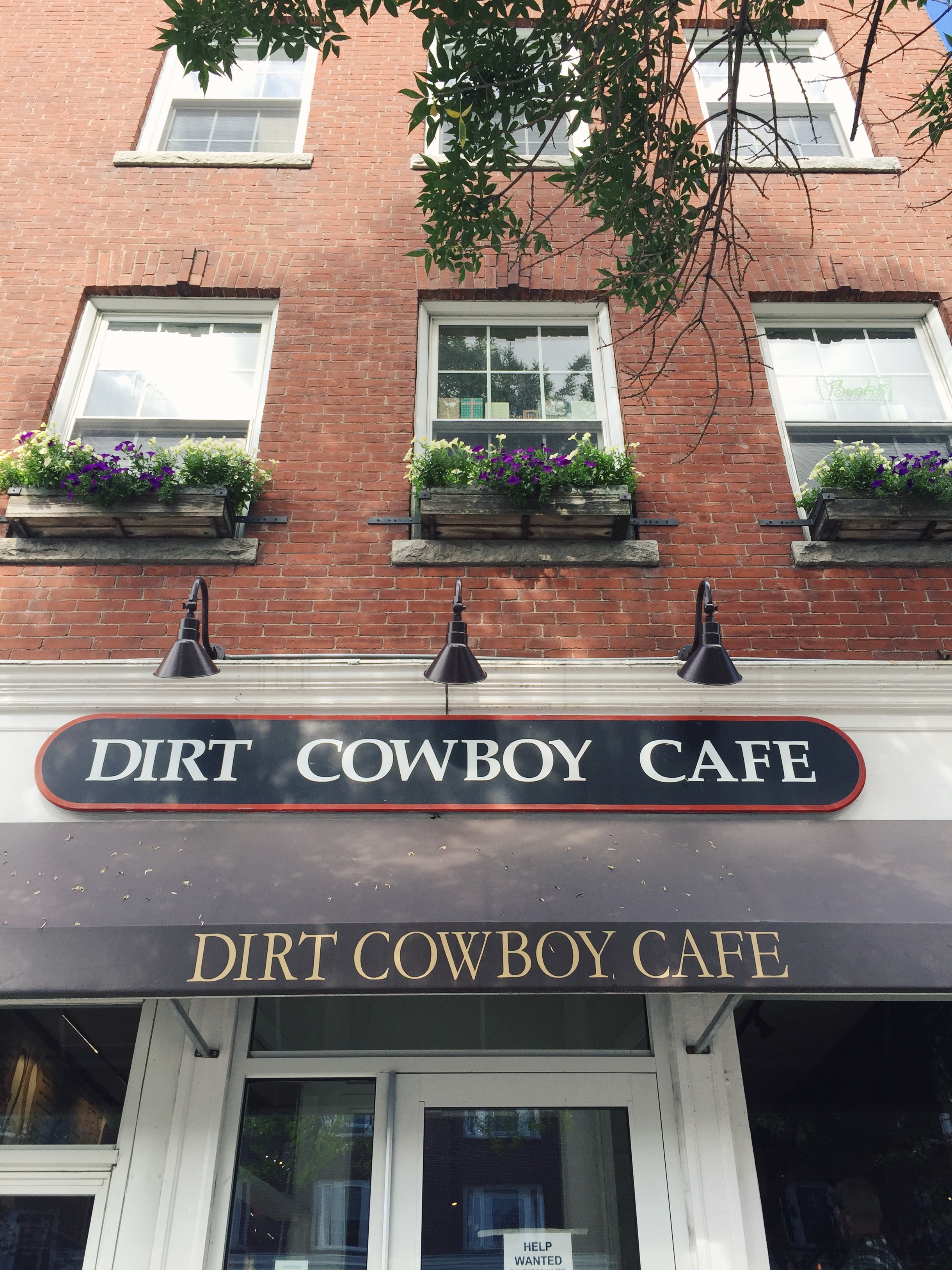 dirt cowboy cafe, hanover, new hampshire