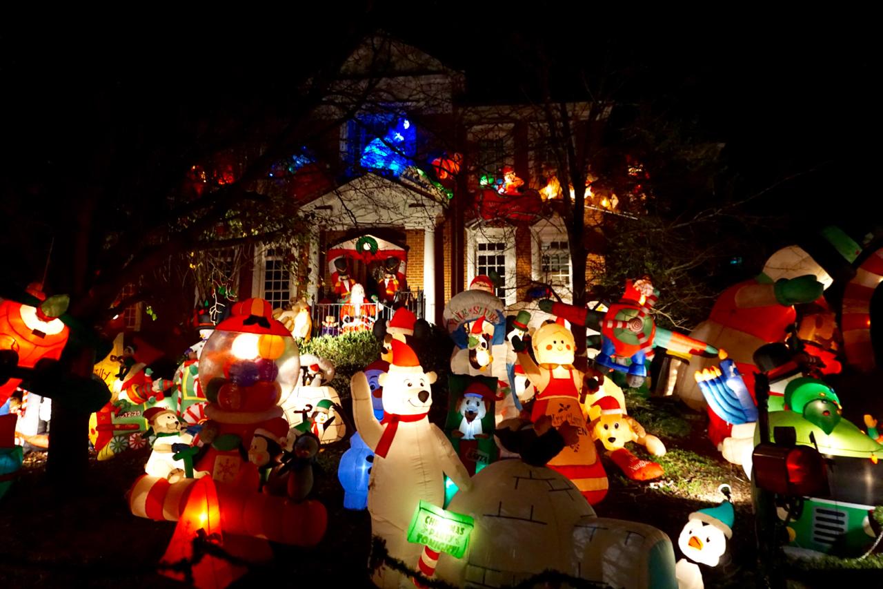 Christmas lights on Peachtree Dunwoody Road, Atlanta, Georgia