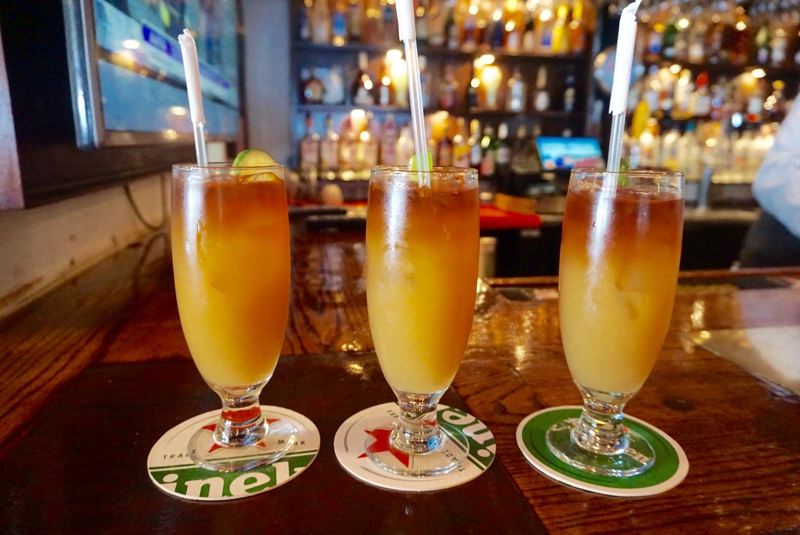 Rum Swizzles, Henry VII Pub, Bermuda