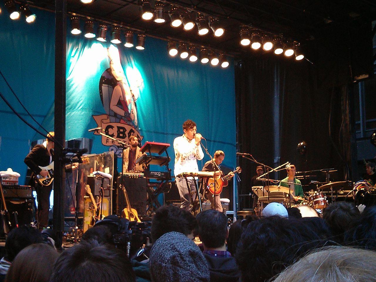 Grizzly_Bear_at_CBGB_Festival_October_2013.jpeg-2.jpeg