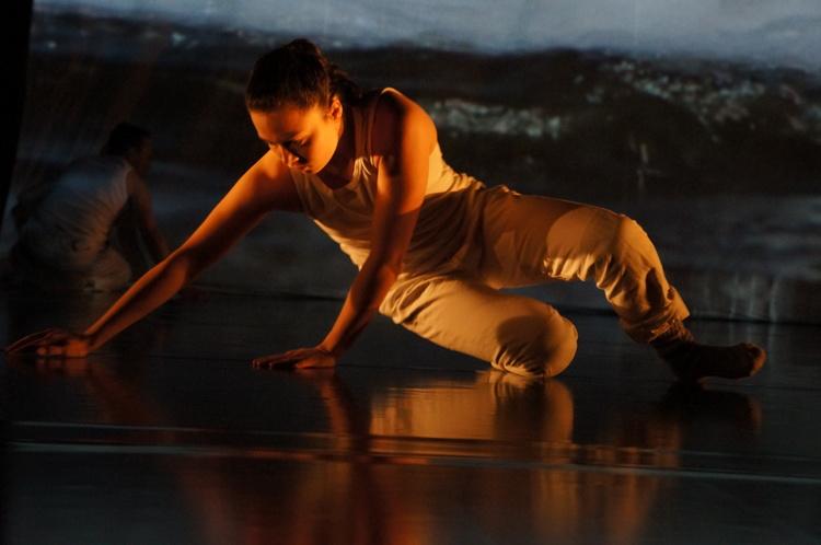 Den unga samiska dansaren Minna Mannelqvist från Man Must Dance 2015, foto Birgitta Stålnert