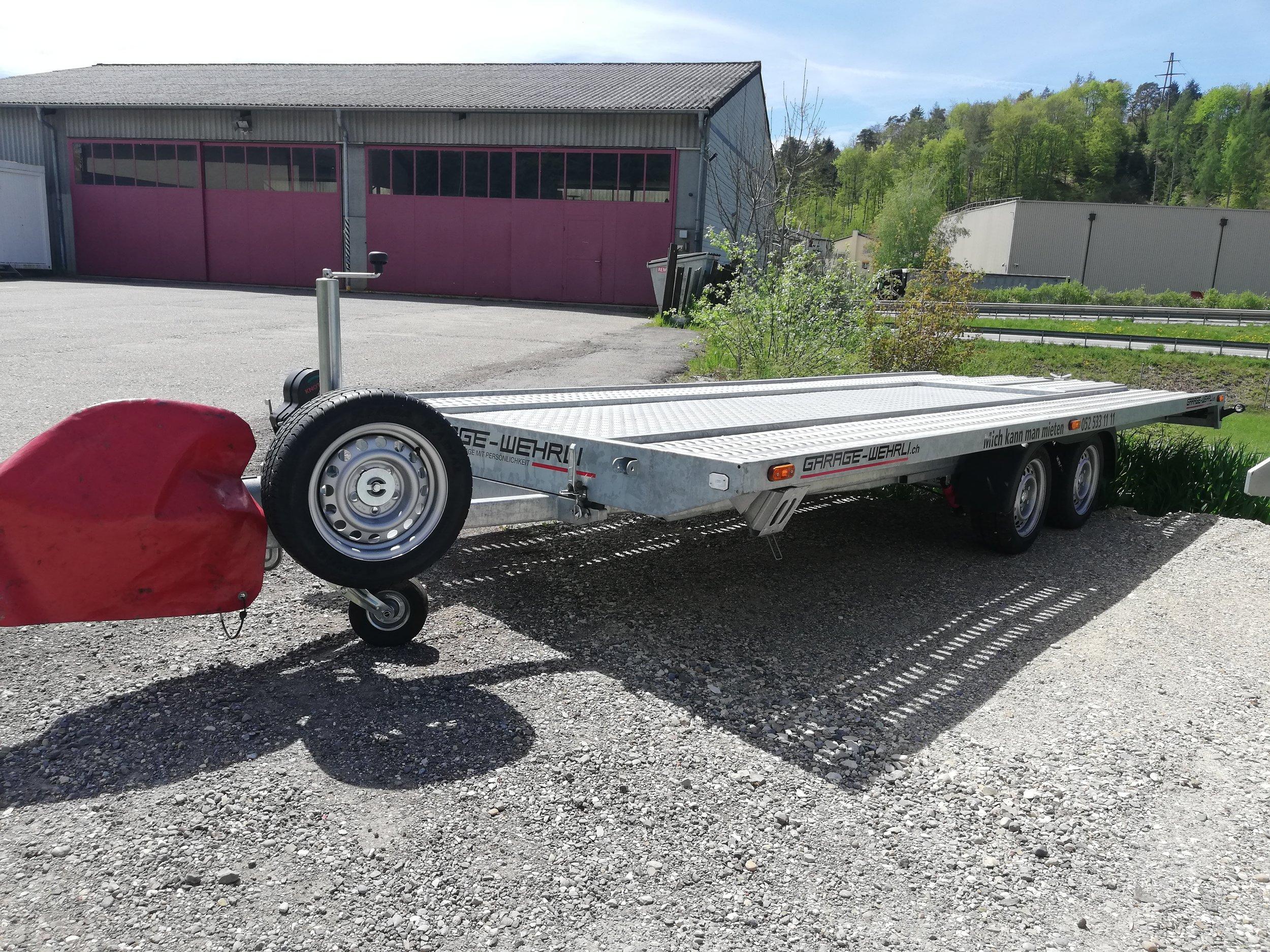 Anhänger Autotransport 3.5t   -  ideal für Autotransport und Transport von grossen Gütern  -  mit Seilwinde  -  Leergewicht: ca. 700 kg, Zuladung: ca. 2800 kg  Fr. 90.- pro Tag
