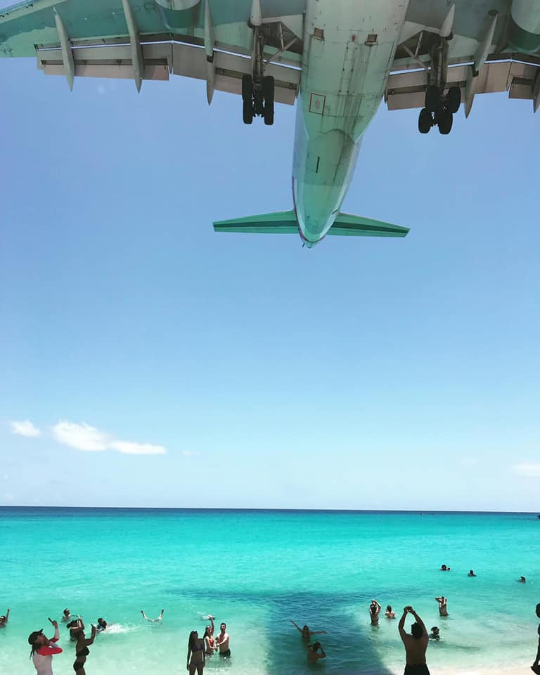 Close up plane spotting on Maho Beach