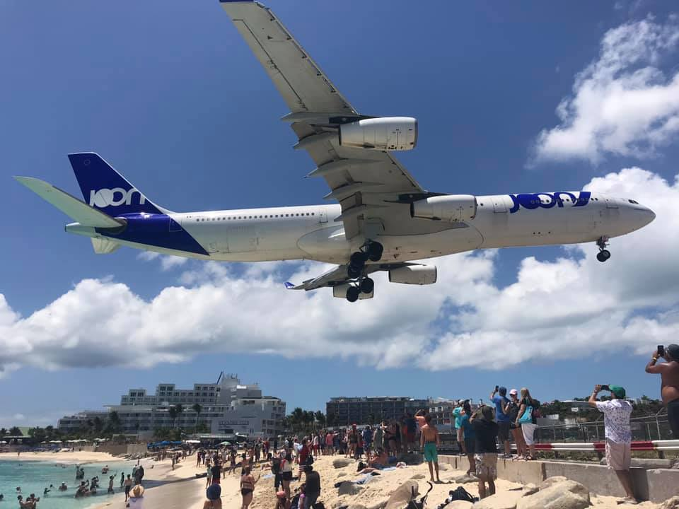 Close landing at Maho Beach.jpg