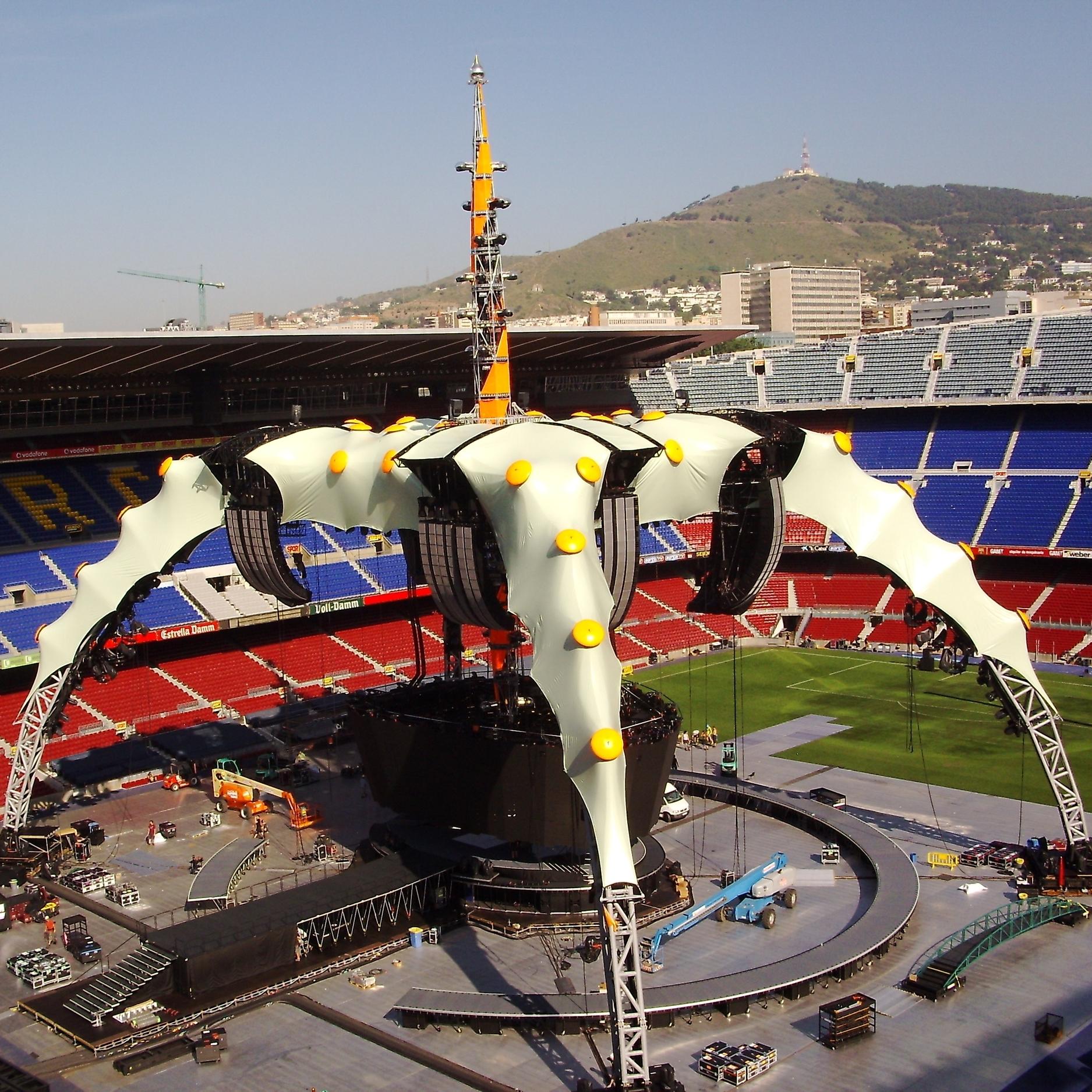 U2 Stage Set