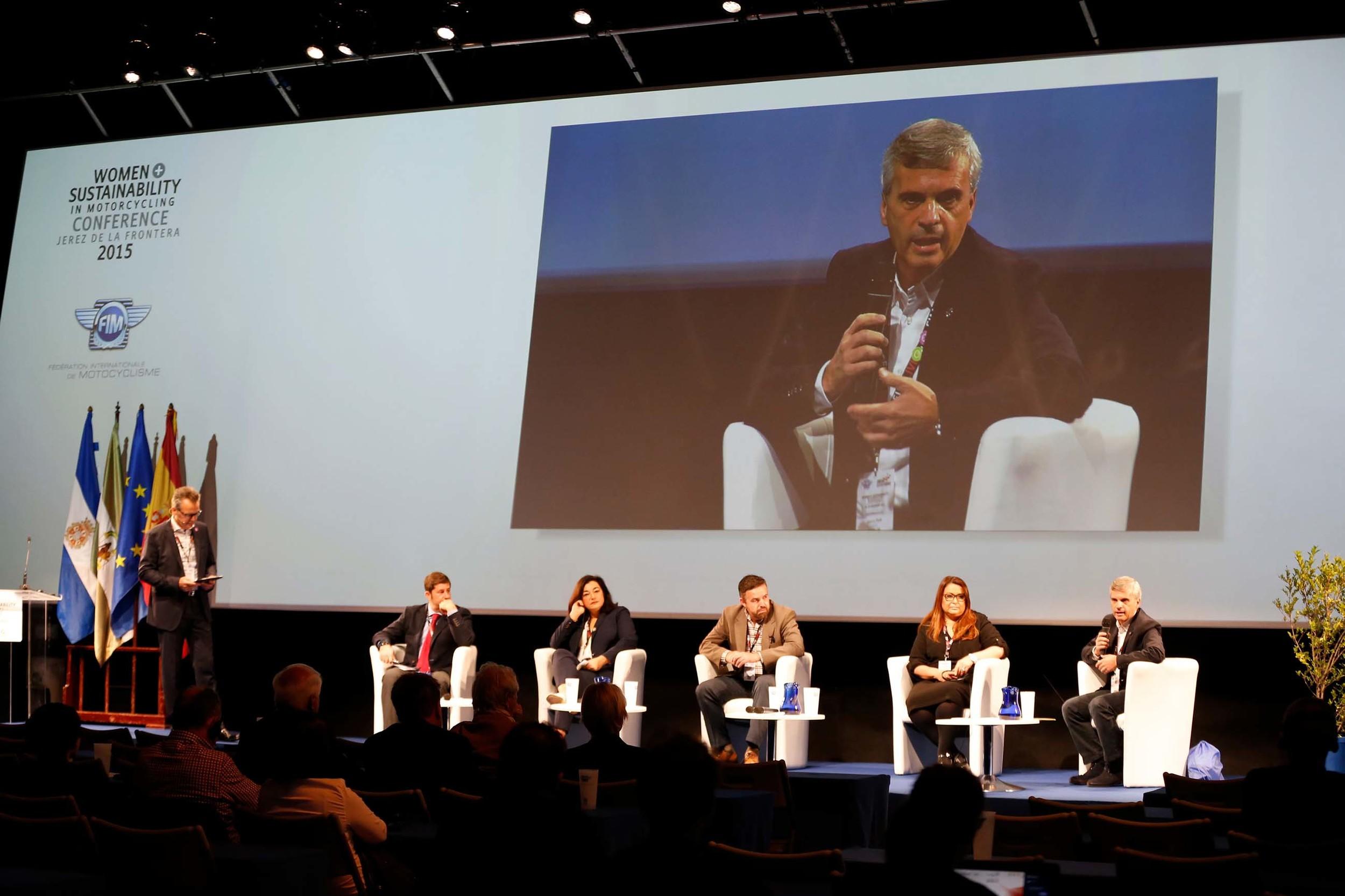 074_Women_Sustainability_conference_Plenarysession1  .jpg