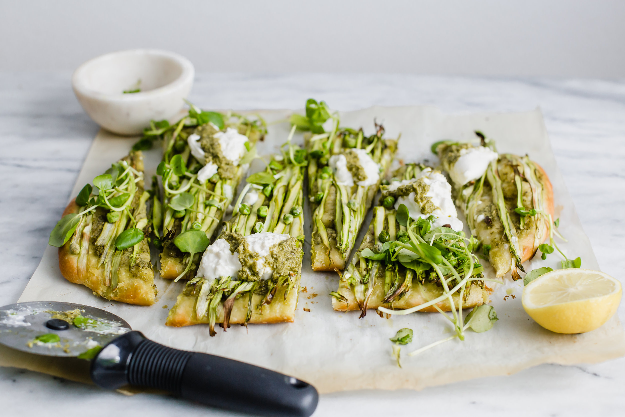 asparagus_pea_pesto_pizza-70.jpg