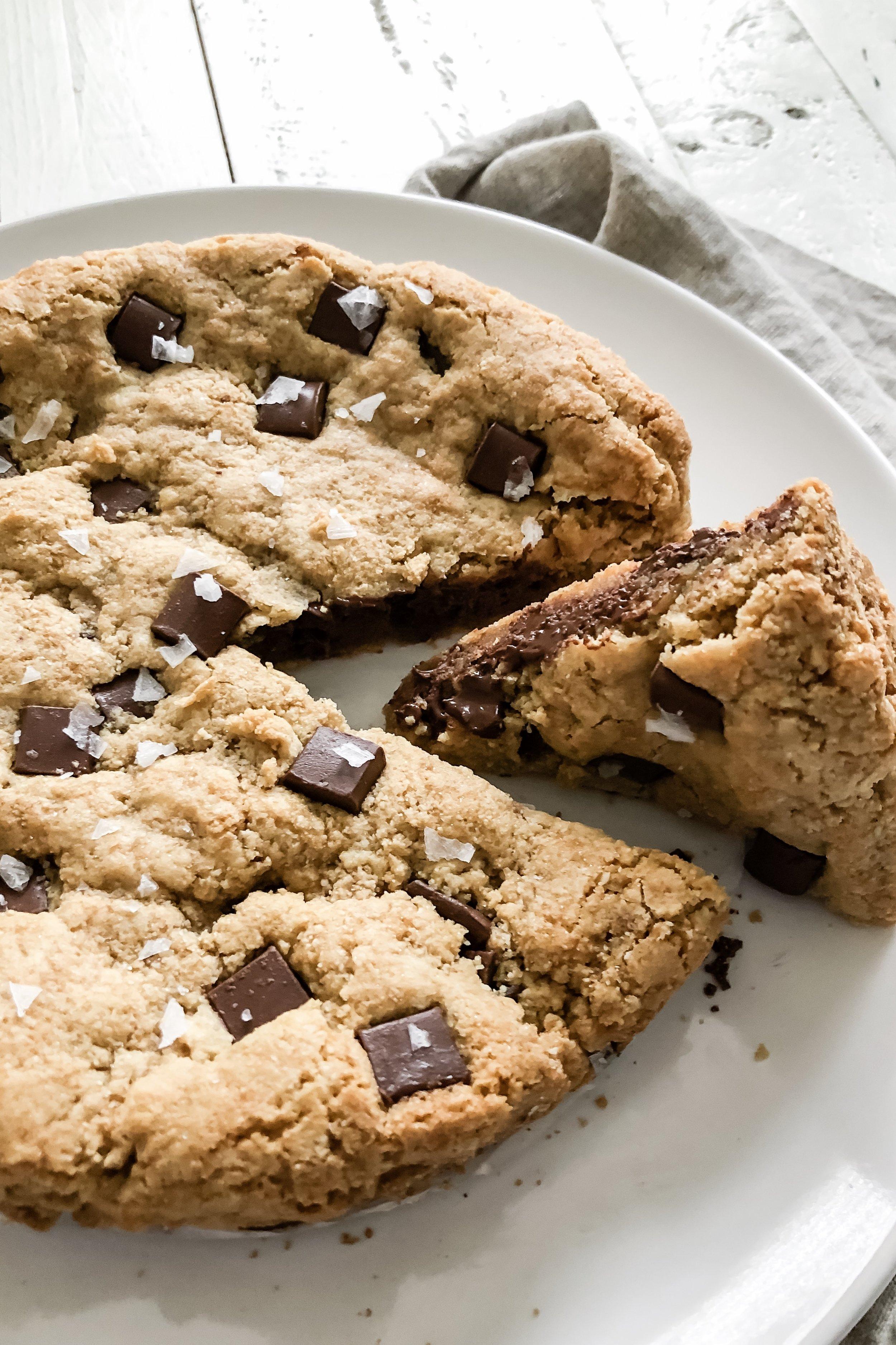 chocolatechunkcookiecake_4jpeg