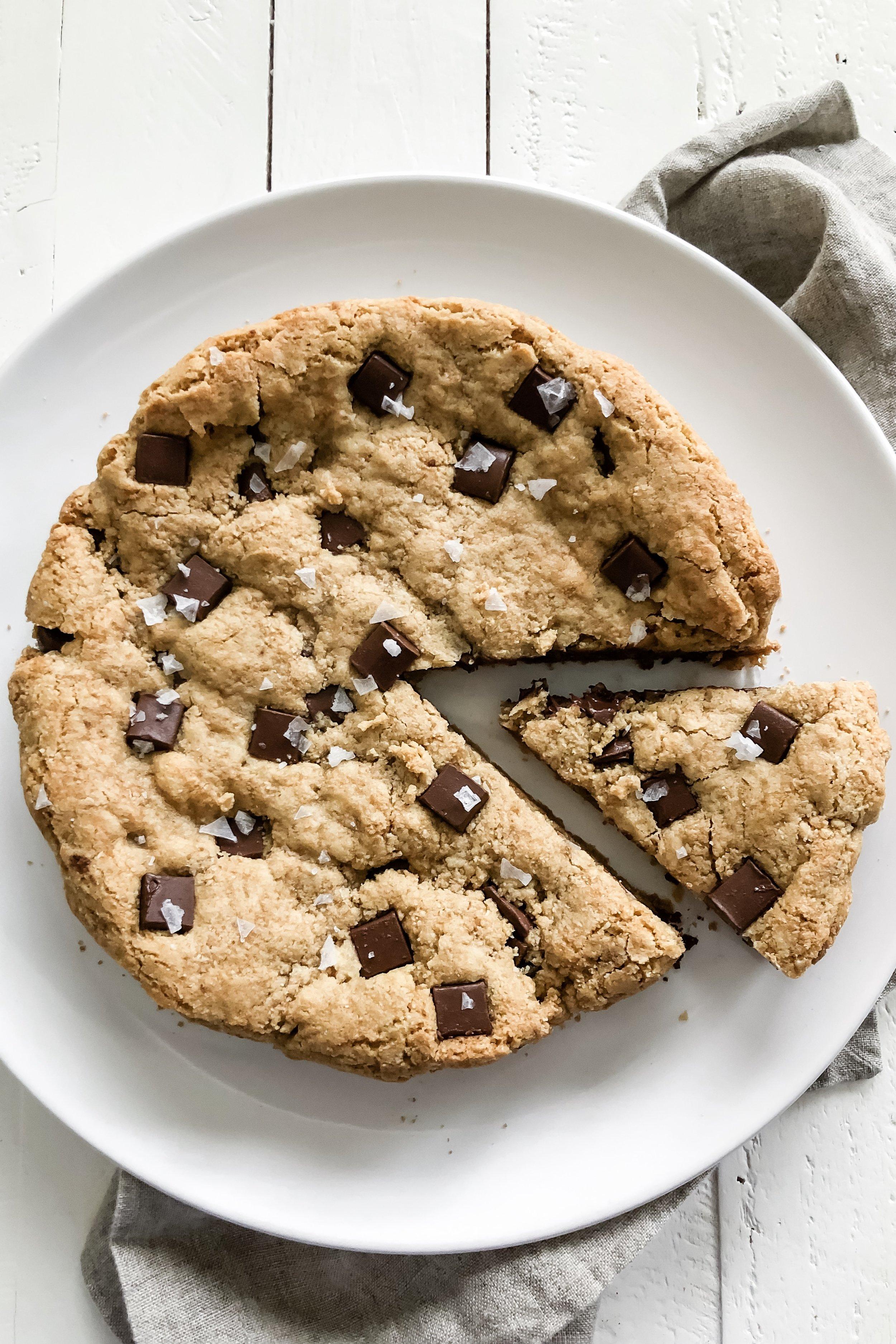 chocolatechunkcookiecake_1.jpeg