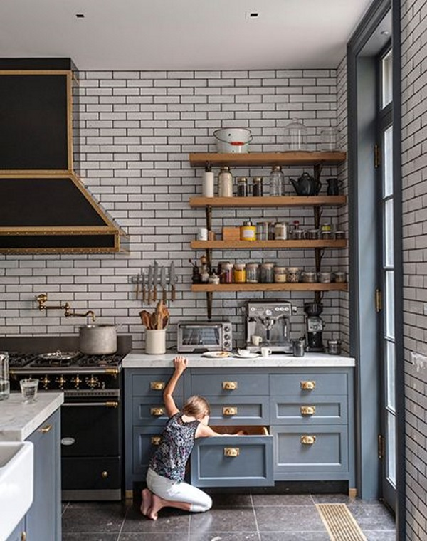 We love the interesting toiling in this kitchen - it really adds another dimension