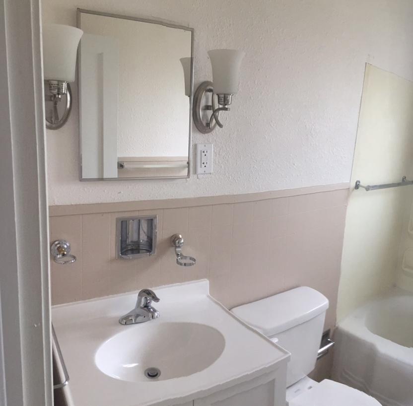 Vintage Apartment Rental in Rapid City, SD - bathroom