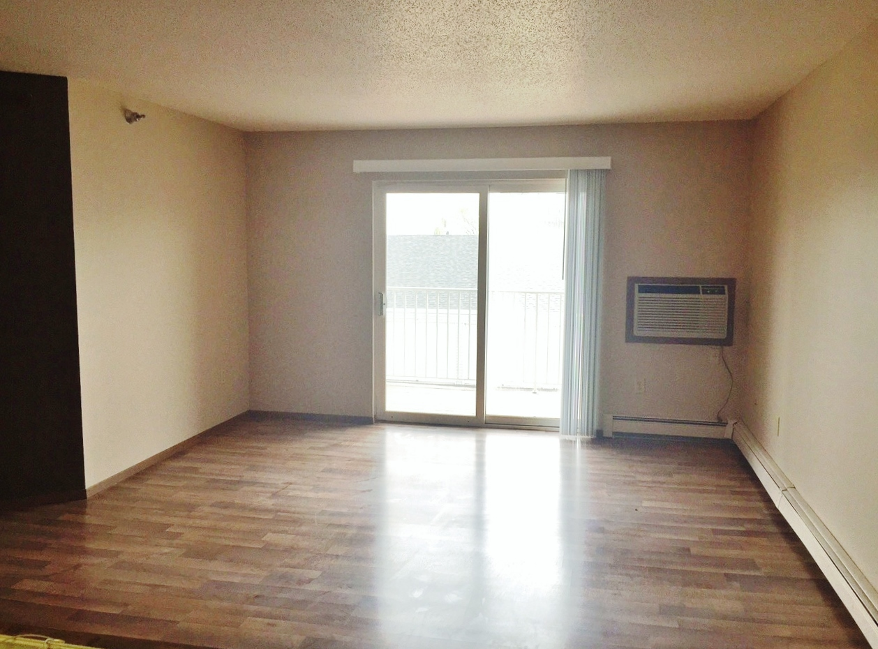 Southern Cross Apartments in Rapid City, SD - living room