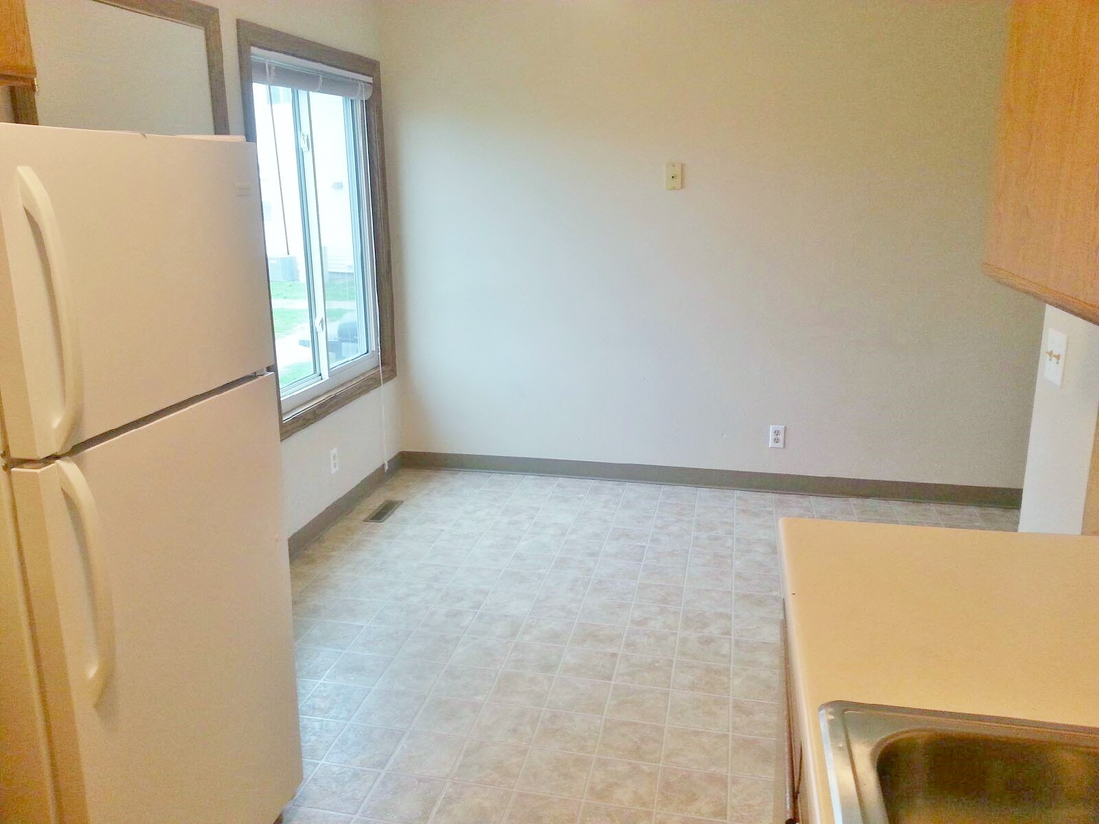 Pleasant Hill Village Town Home Rentals in Rapid City, SD - dining room