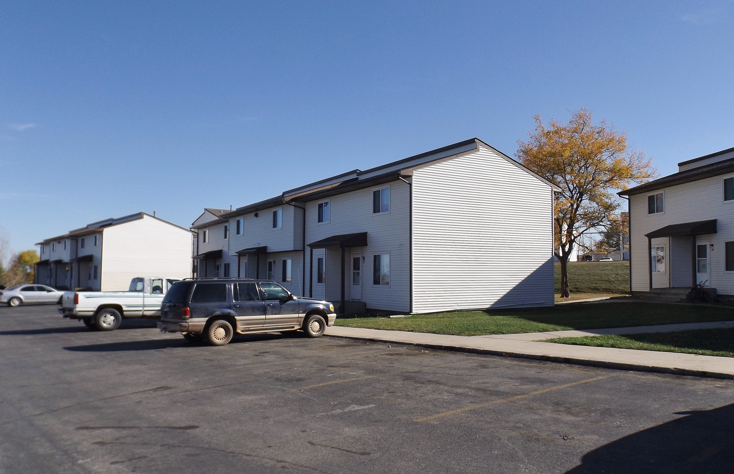 Pleasant Hill Village Apartment Rentals in Rapid City, SD - playground and coutyard