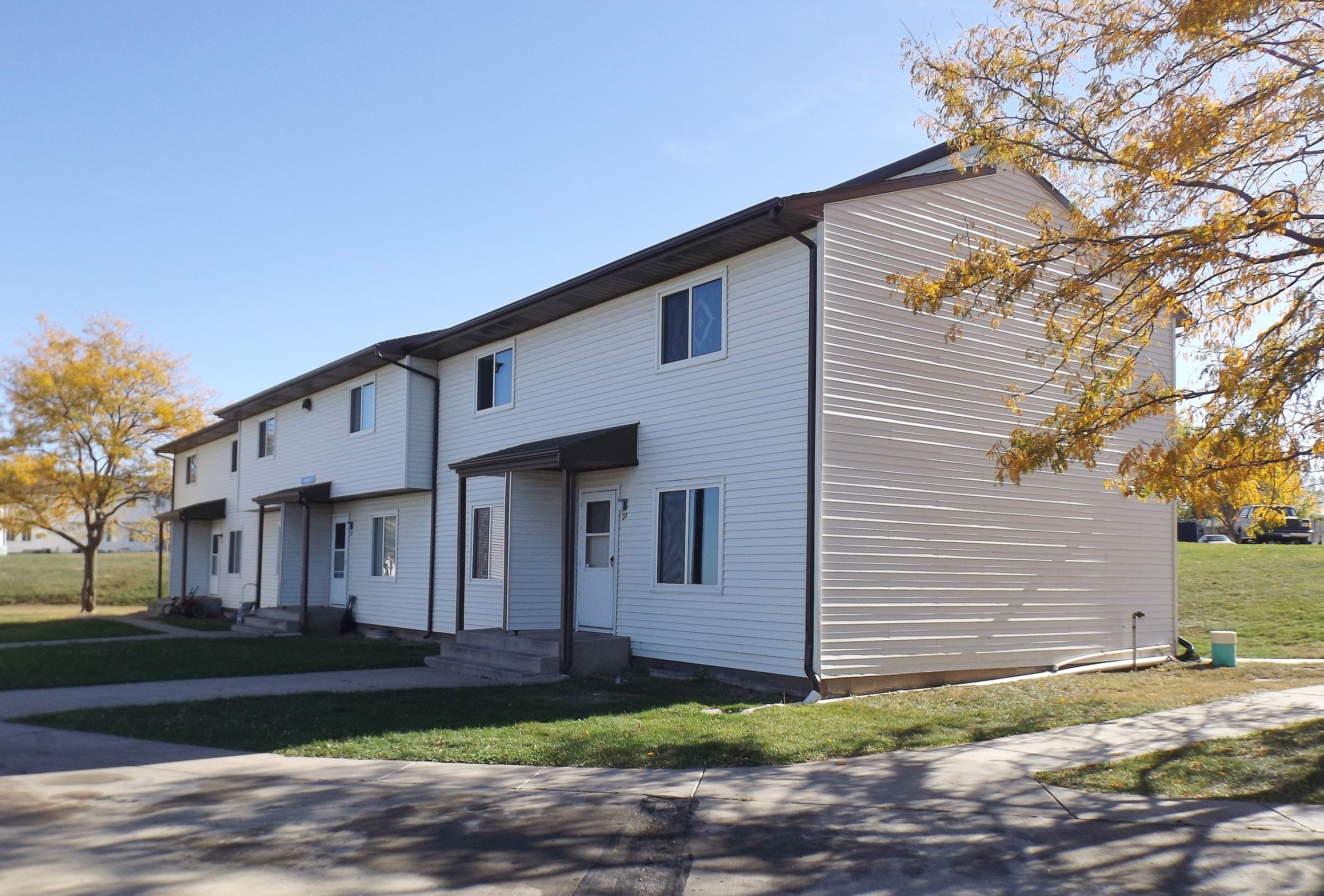 Pleasant Hill Village Apartment Rentals in Rapid City, SD - great location