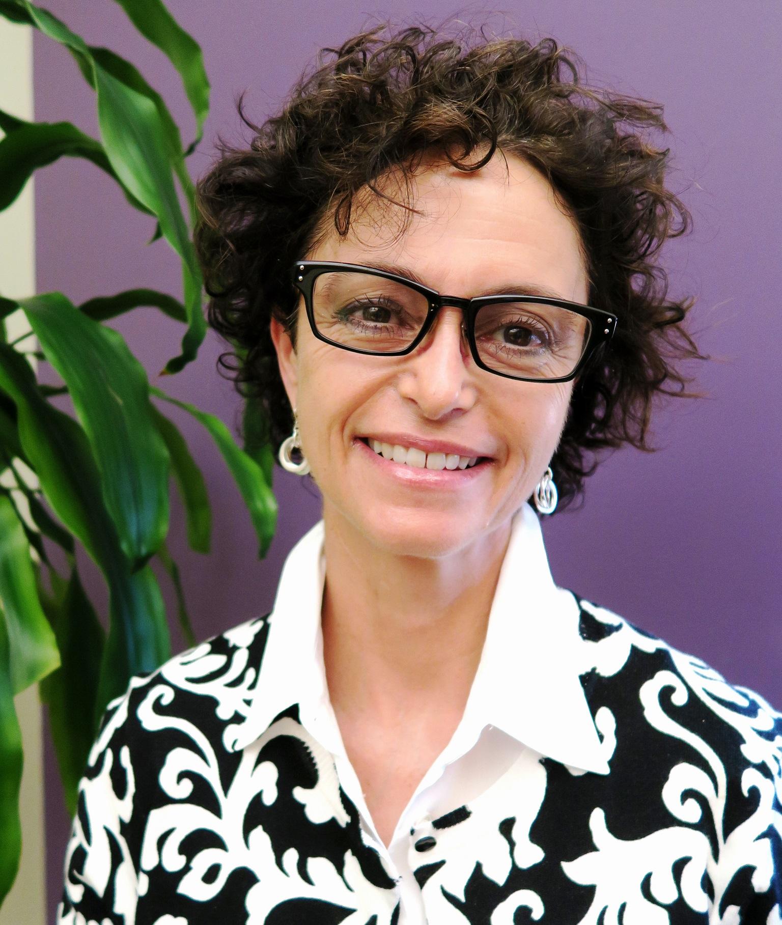 Dr. Sandra Levitt