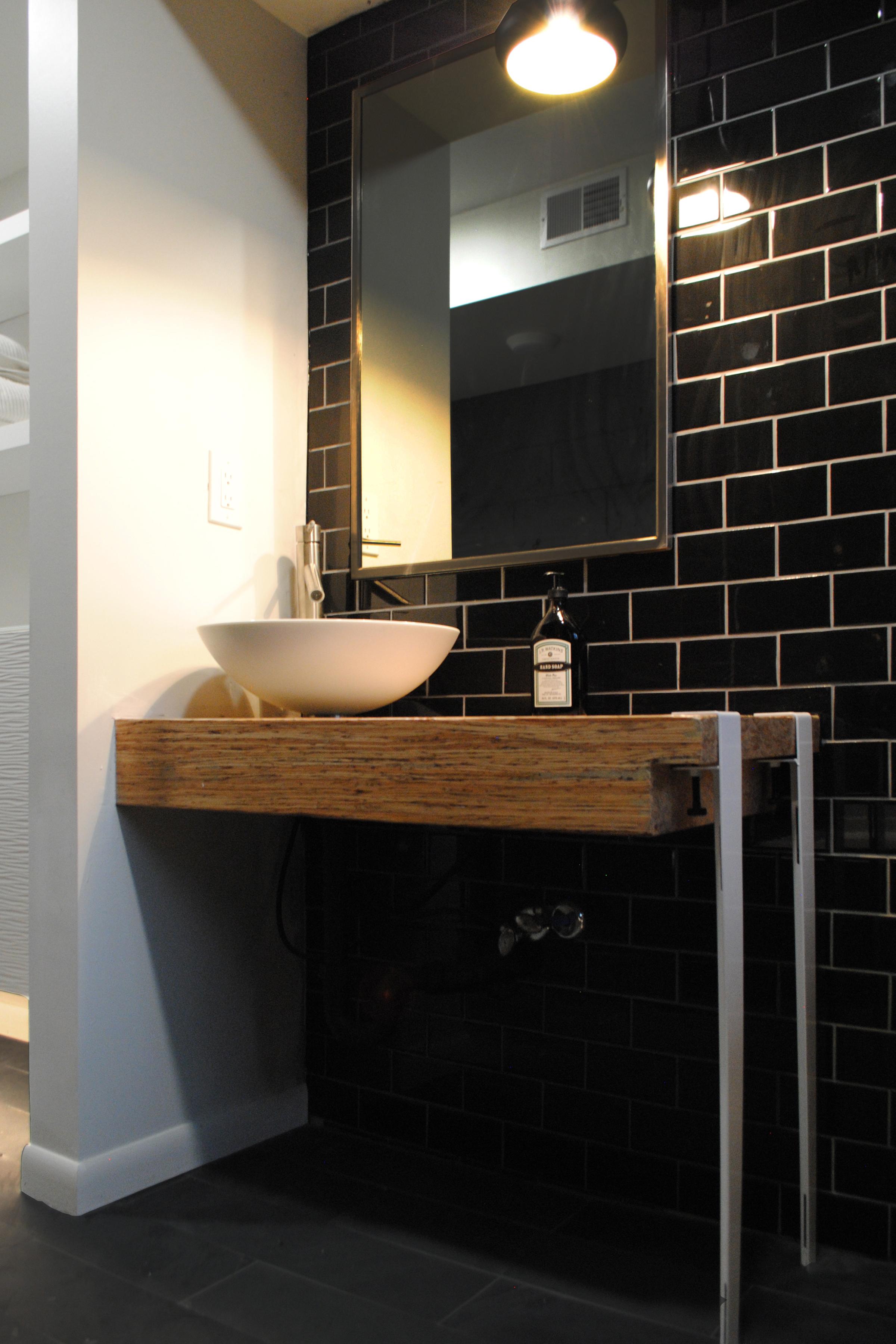 1501 - MLR - bathroom 3.jpg
