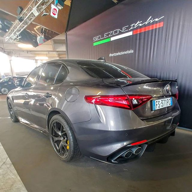 A pretty little thing seen in #Italy. Should've rented this one... #alfaromeo #giulia #quadrifoglio