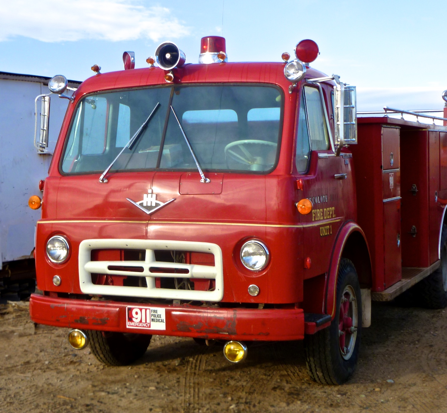 Fire Engine 3243.jpg