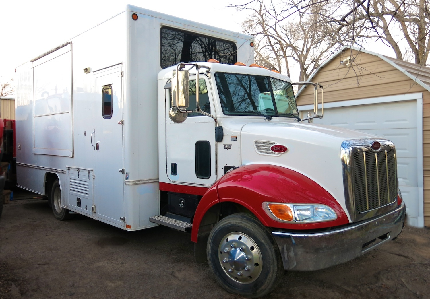 Mobile Office Trucks, large & small, with pop-outs. Designed for on location work space. Call Wayne Elliott for details (505) 328-0909.  ElliottLocationEquipment.com