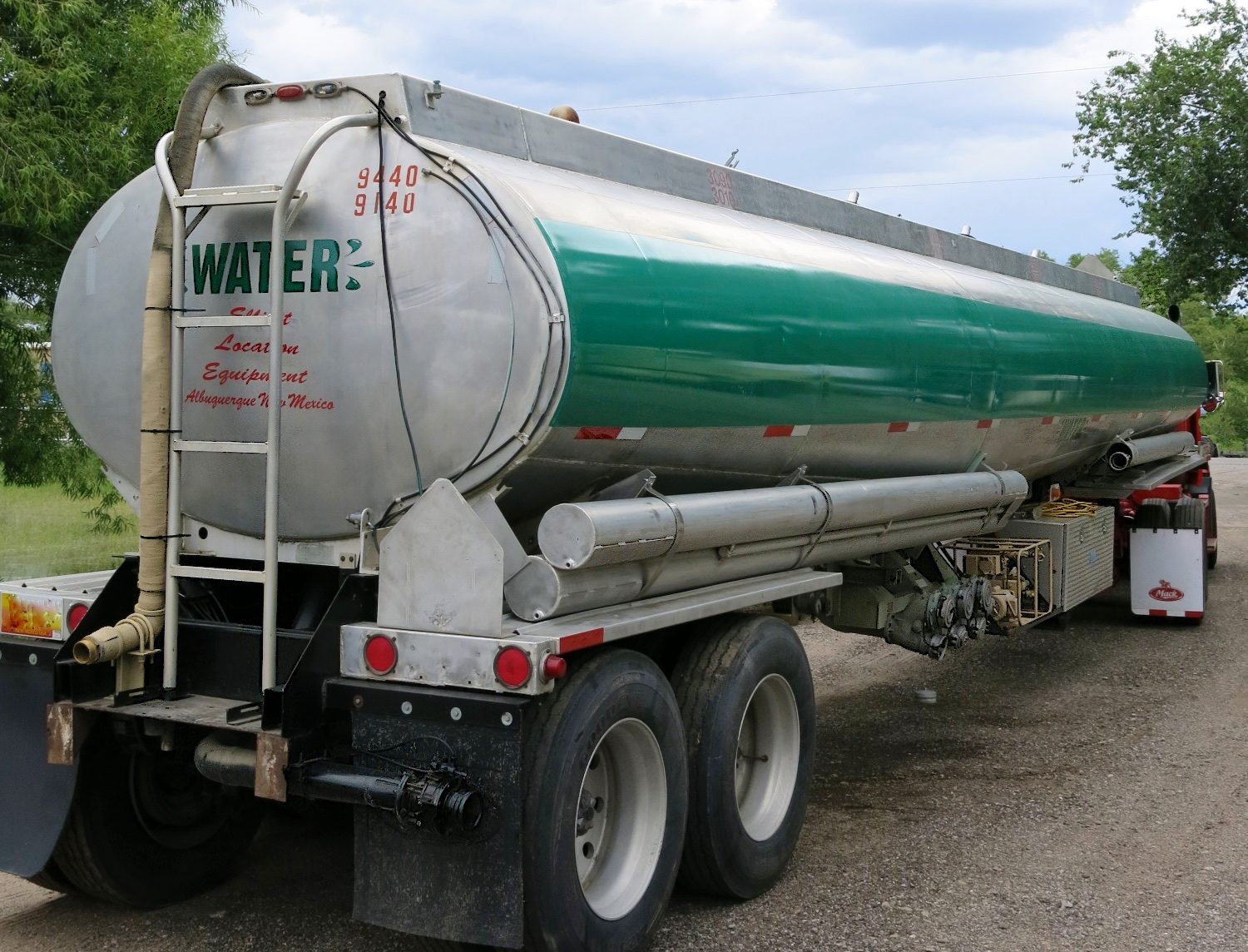 WaterTanker 1500 6489.jpg