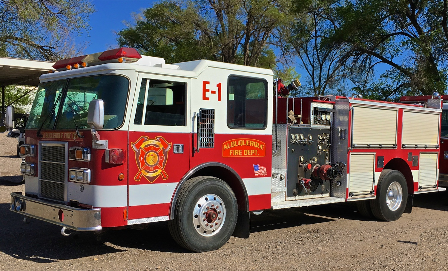 Fire Engines & Fire Trucks. Wildfire suppression support. Call Wayne Elliott for details (505) 328-0909.     ElliottLocationEquipment.com