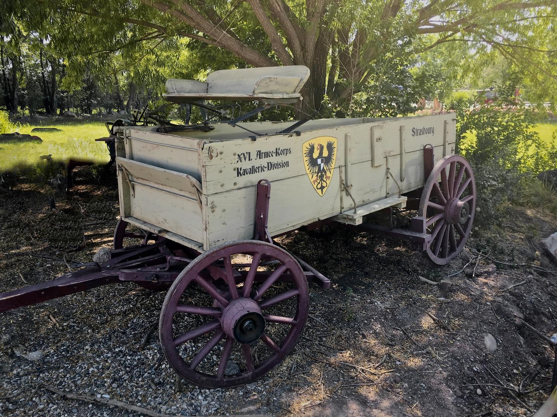 Vintage Buck Board Wagon 6661.jpg