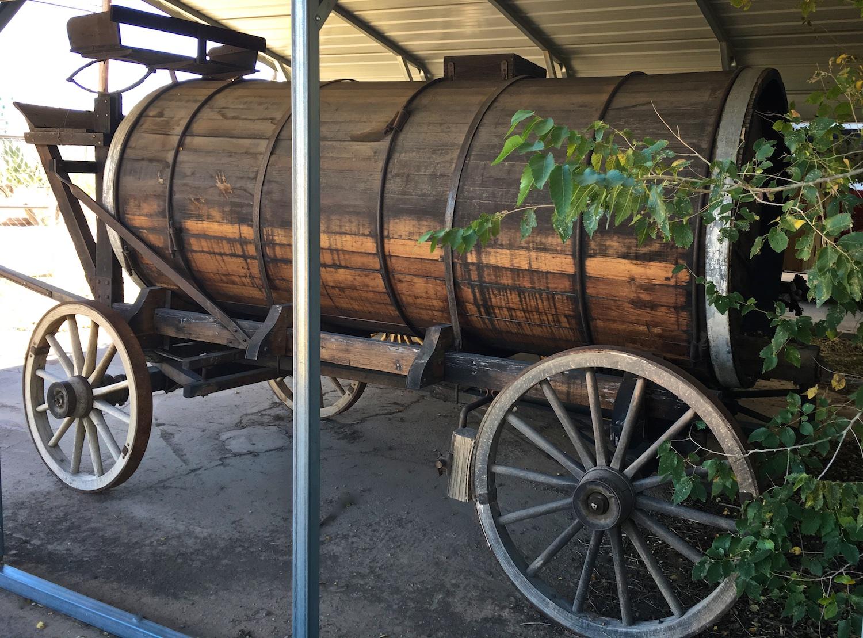 Vintage Water Wagon 6658.jpg