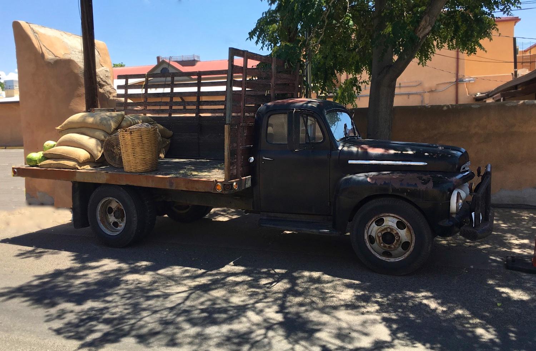 Cattle Truck OnLoc 6833.jpg