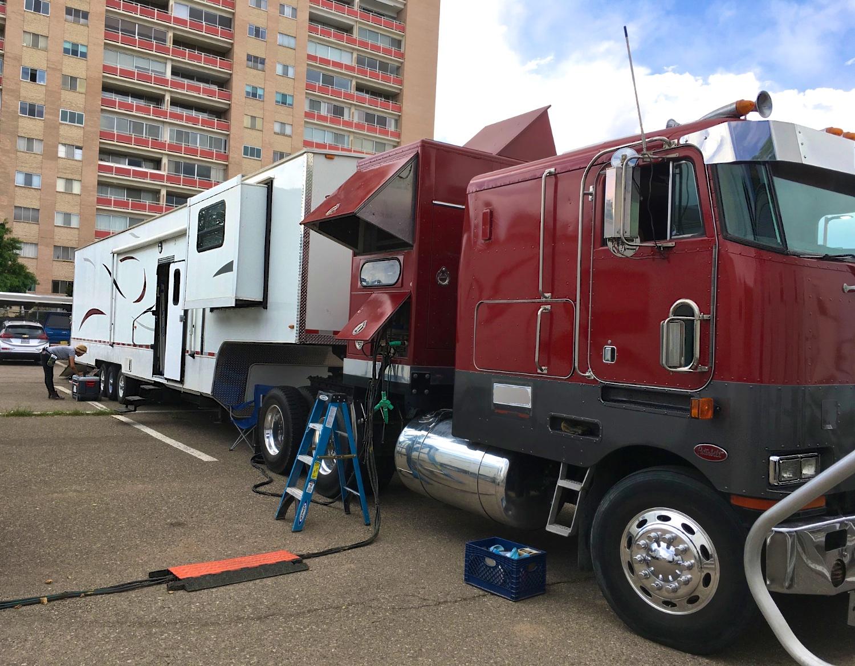 MakeUp Generator Truck OnLoc 6823.jpg