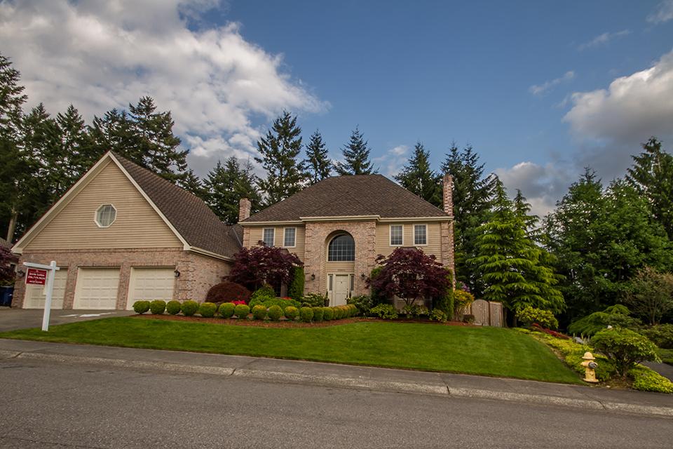 big-sound-homes-real-estate-ridge-home-listing-exterior-web.jpg