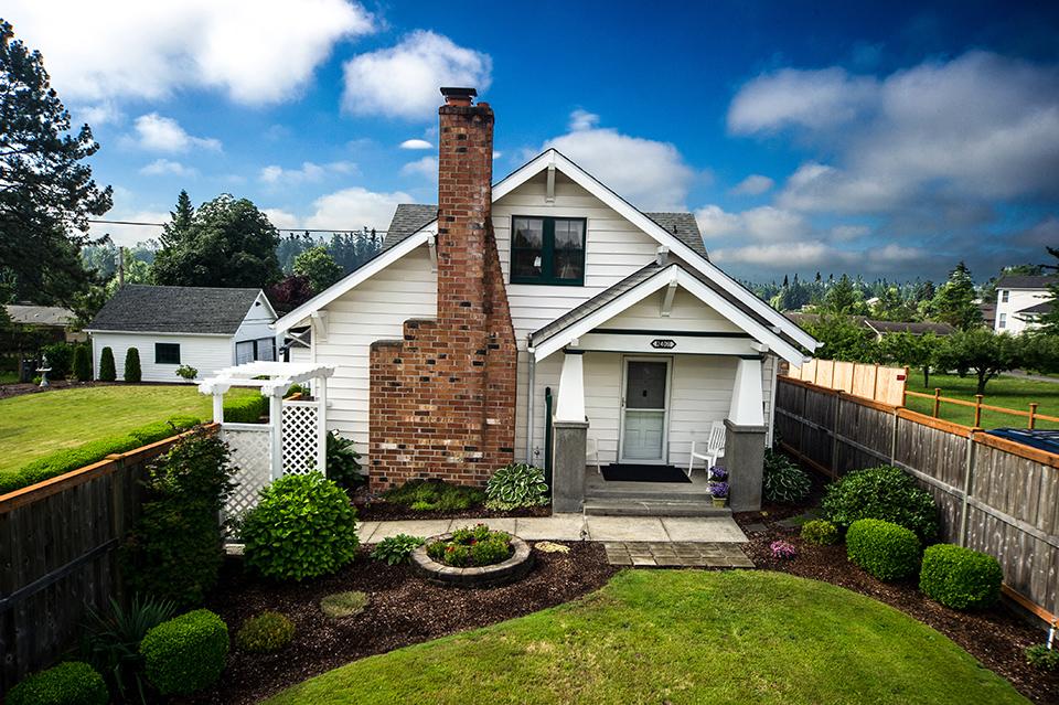 big-sound-homes-real-estate-milton-home-exterior-web