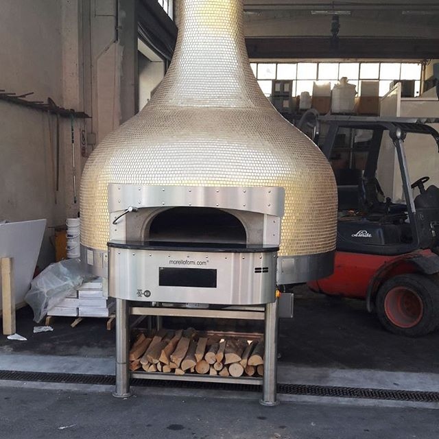 The oven for Fratellis Wood Fired Pizzeria - Avalon is all done. Thanks @rositobisani for making it happen in a short time