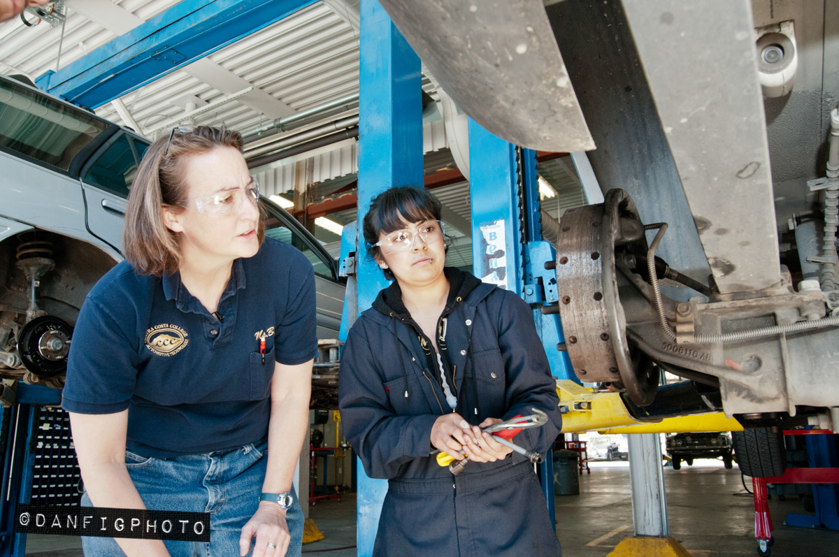 14-DanFigPhoto-women-in-career-tech-052.jpg