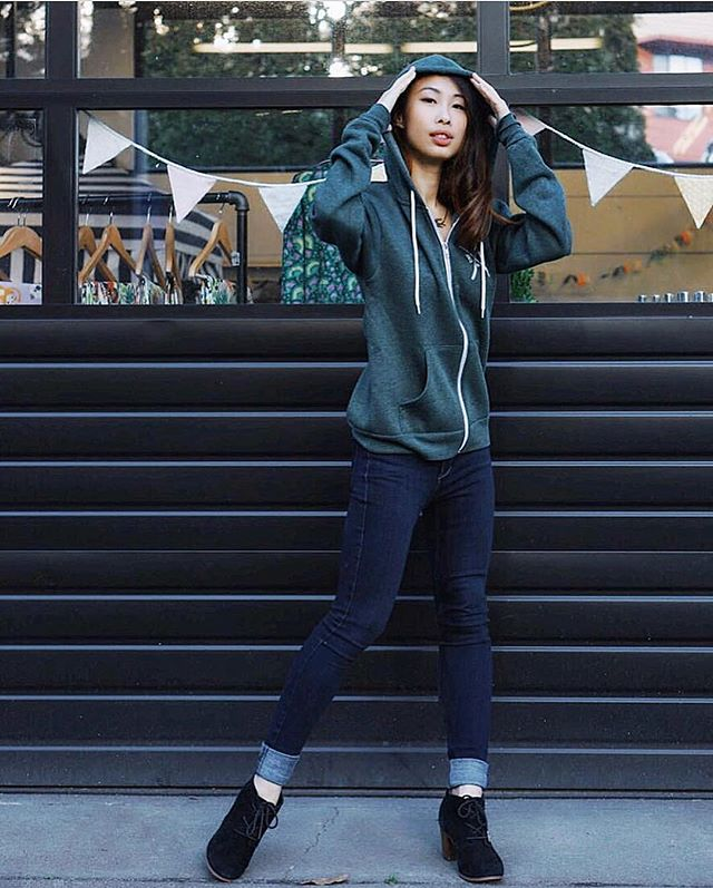How beautiful is this shot of @andurilhuangdance in front of our shop in her BI zip hoodie.
