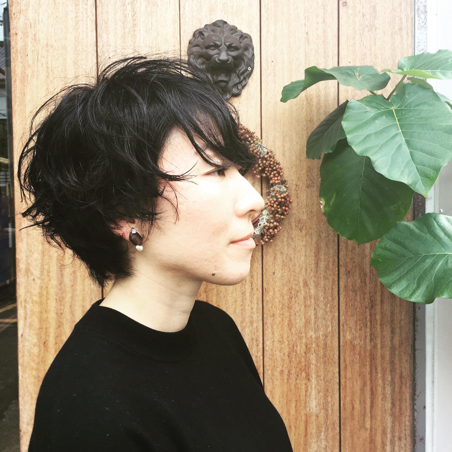 黒髪パーマで大人な感じ‼︎  秋にもなりましたし、イメージを変えるのもいいですよね‼︎