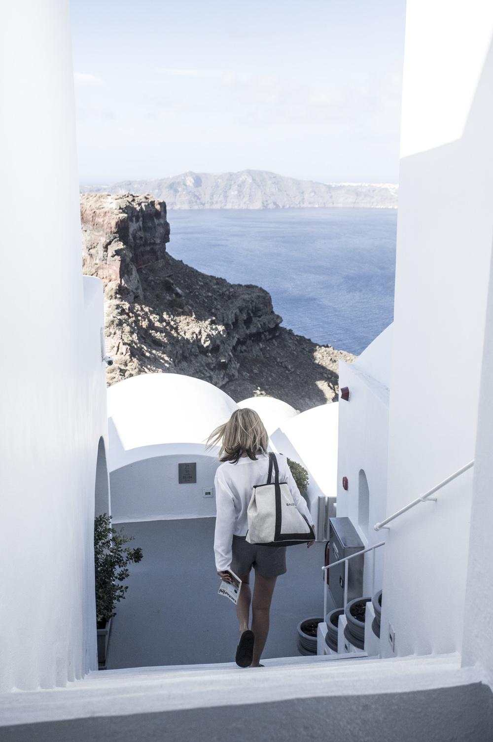 Grace-Hotel-Santorini-Amanda-Shadforth-Oracle-Fox.1.jpg