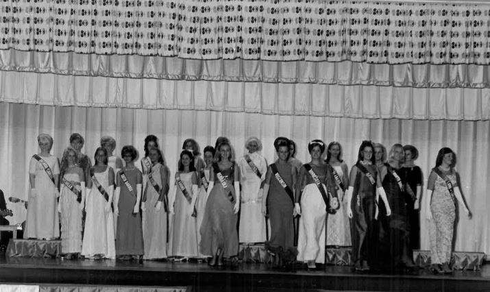 all queens photo.JPG