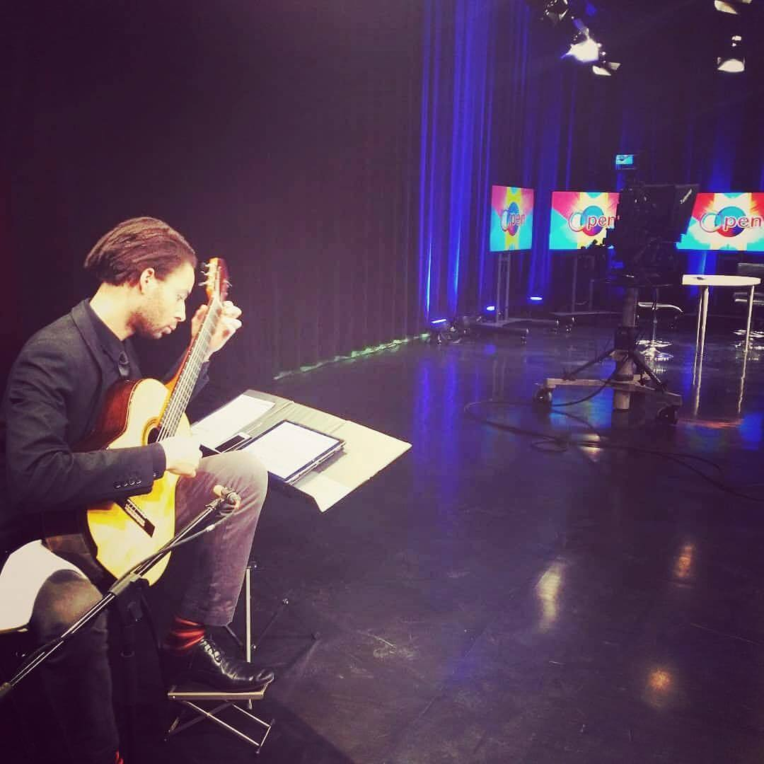 It has been a wild 48 hours (!!!), but worth it to promote the Dream Unfinished Orchestra, Lincoln Center Education, and Tania Leon's music on BronxNet TV.  I need some sleep! #classicalmusic #classicalguitar #bronx  (at Lehman College)
