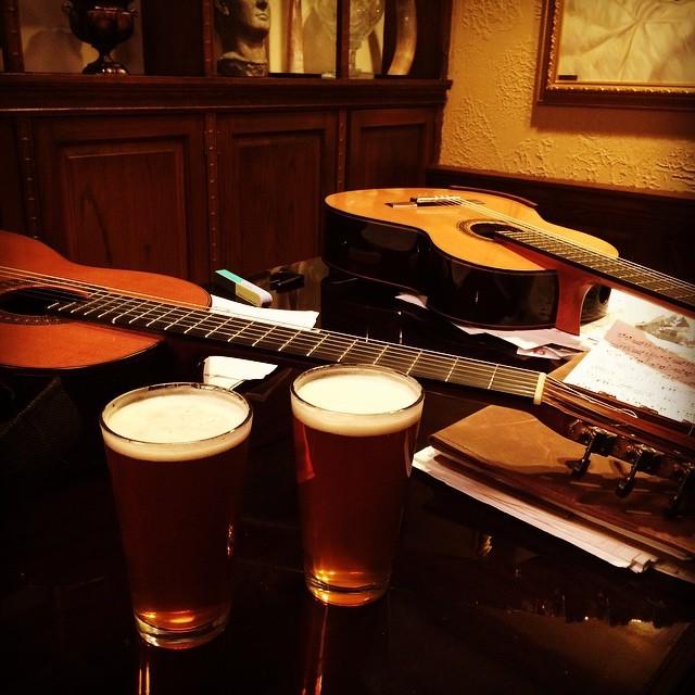 I love my job. #classicalguitar #duonoire